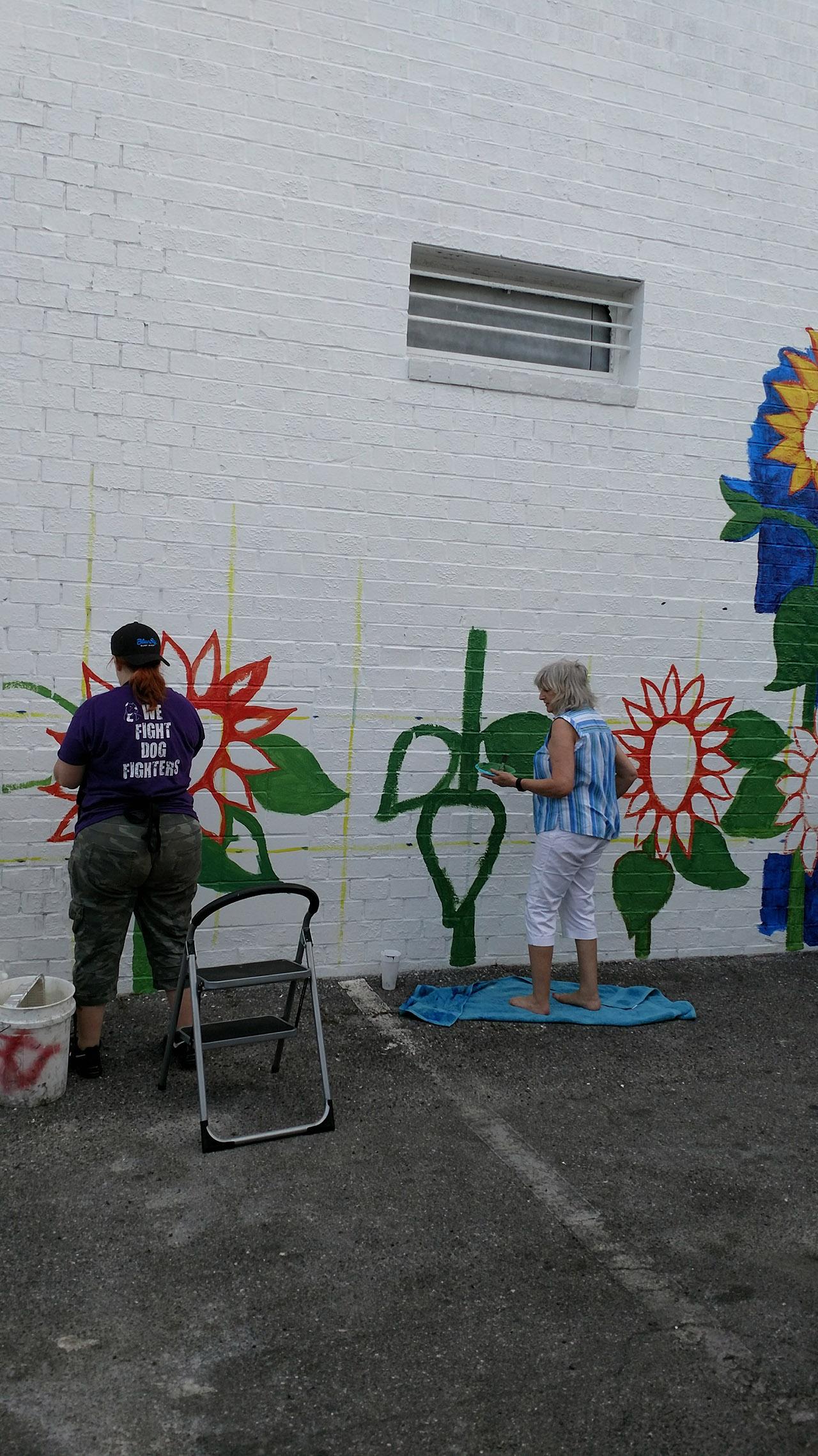 Sunflowers-Mural-Brenda-Kato009